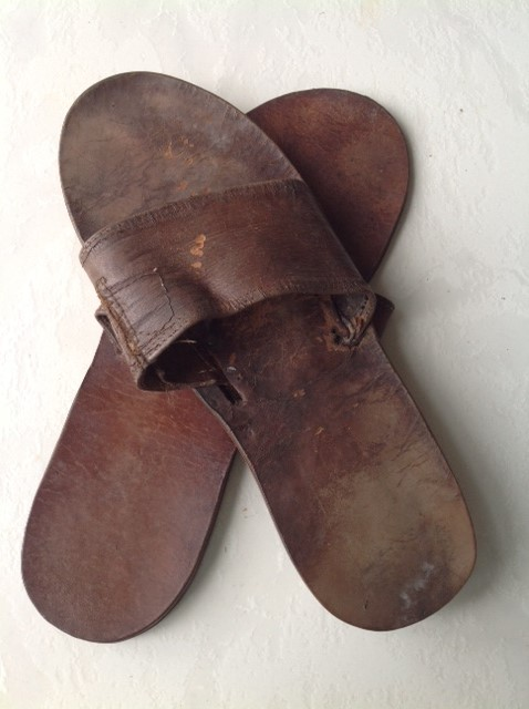 inri-cristo-sandals