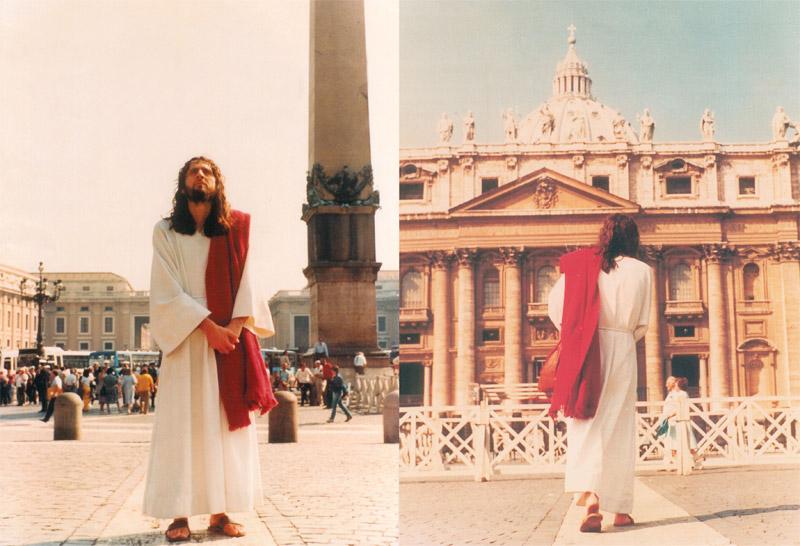 inri-cristo-vatican-1983